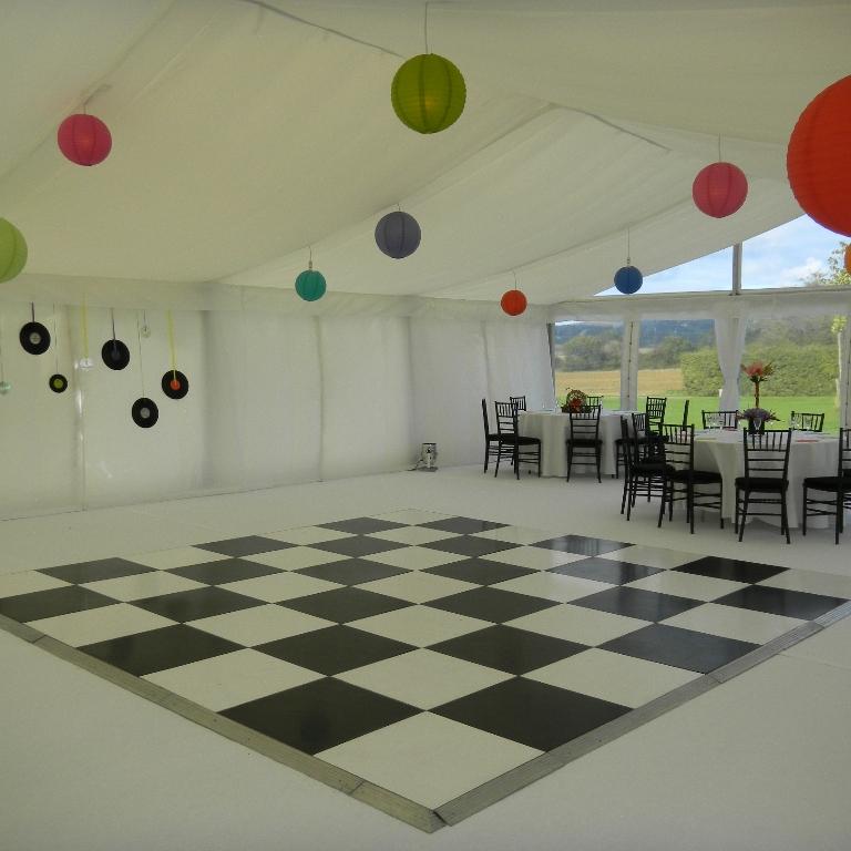 9m White flat-white carpet-coloured lanterns-small.jpg